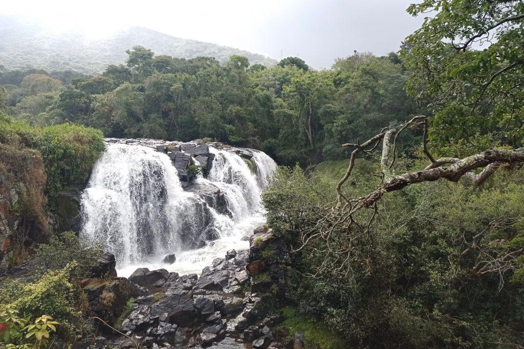 Poços de Caldas (MG) - Cachoeira Véu das Noivas