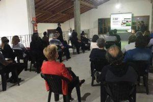 O diretor-executivo da ABET apresenta o SITUR para o trade turístico de Cunha (SP).